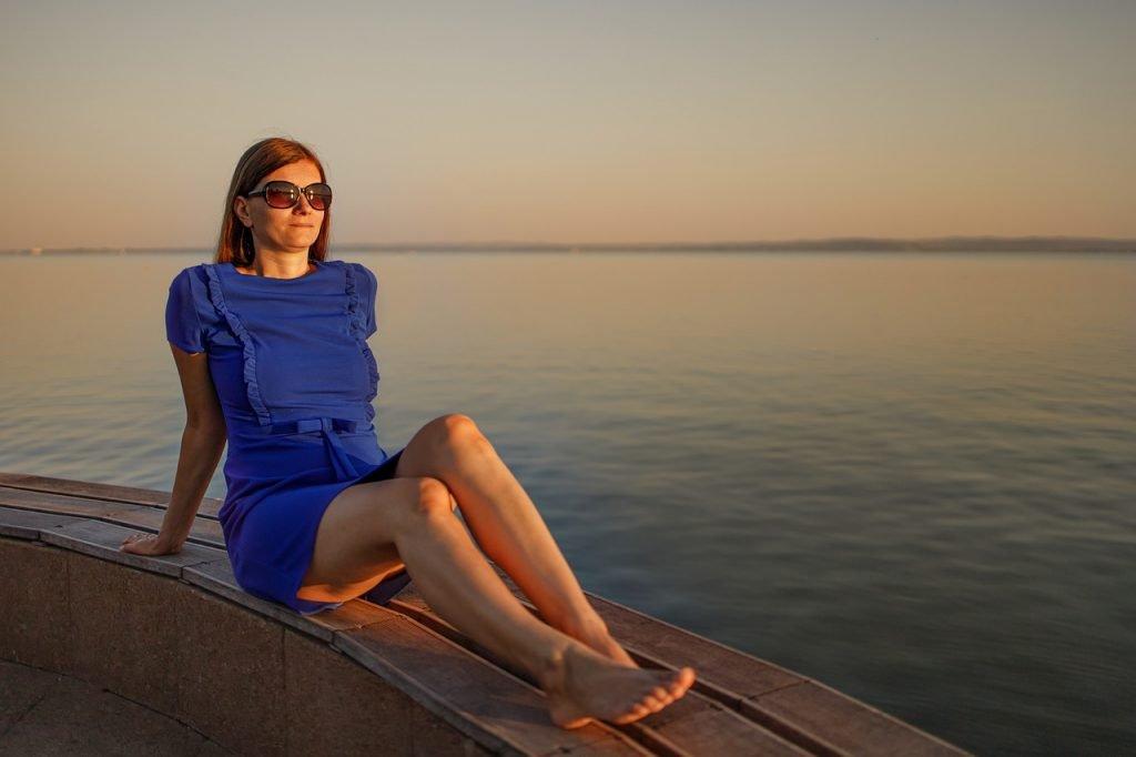Lake Woman Sunglasses Dress Young  - adamkontor / Pixabay