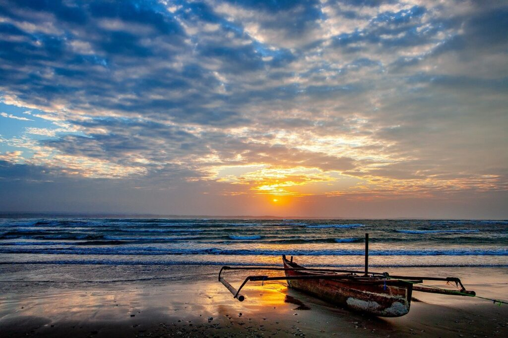 Landscape Coast Asahi Boat Cloud  - KANENORI / Pixabay