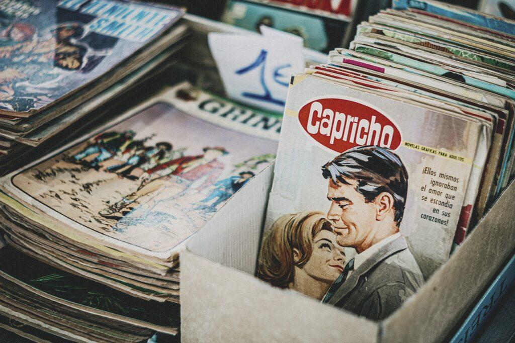 Magazine Novel Books Antique  - Antonio_Cansino / Pixabay