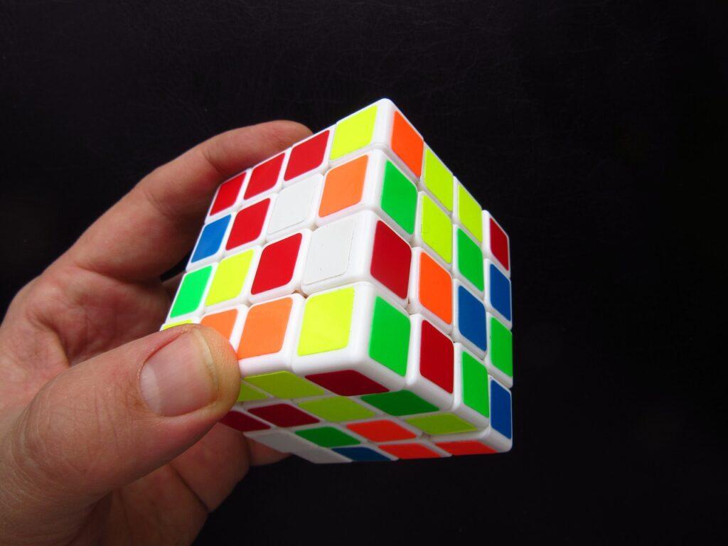Magic Cube Hand Puzzle Toys  - rkit / Pixabay