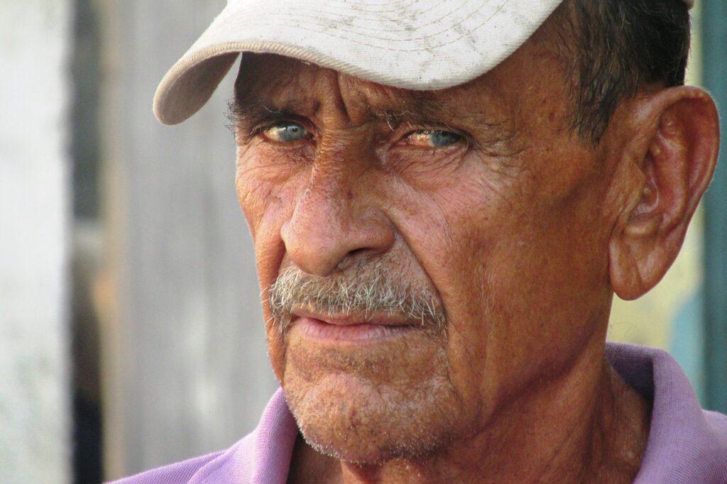 Man Elderly Portrait Old Aged  - linoalarcon / Pixabay