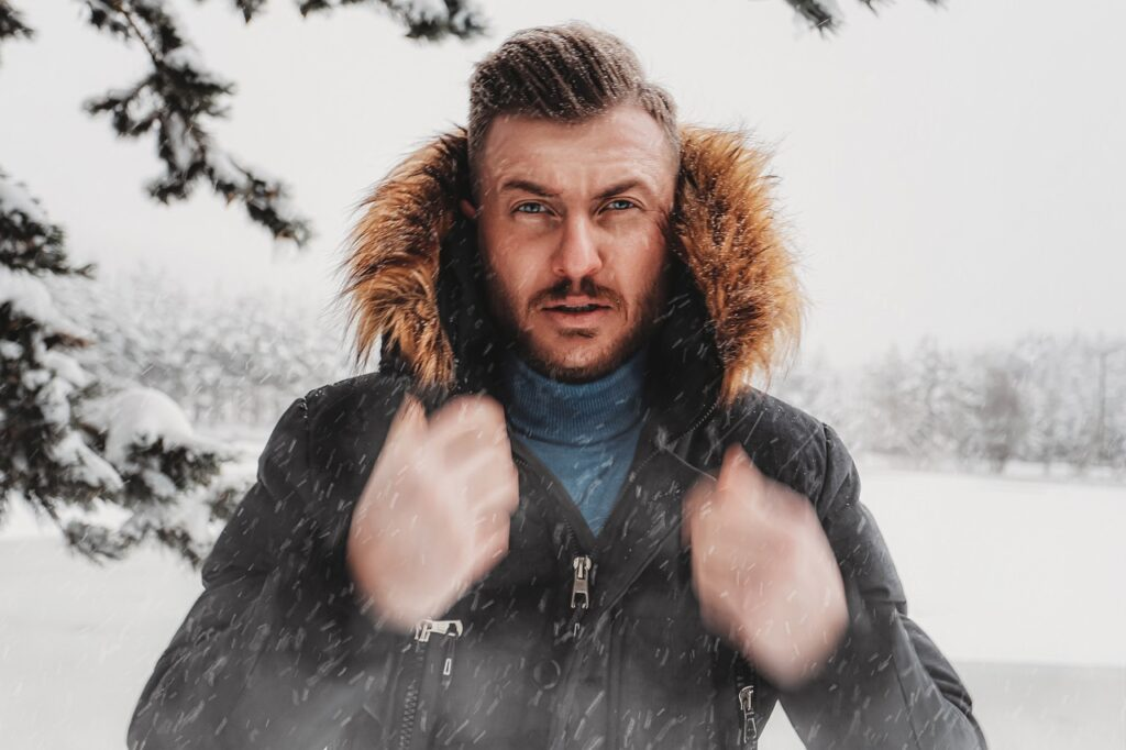 Man Male Model Snow Portrait  - OlcayErtem / Pixabay
