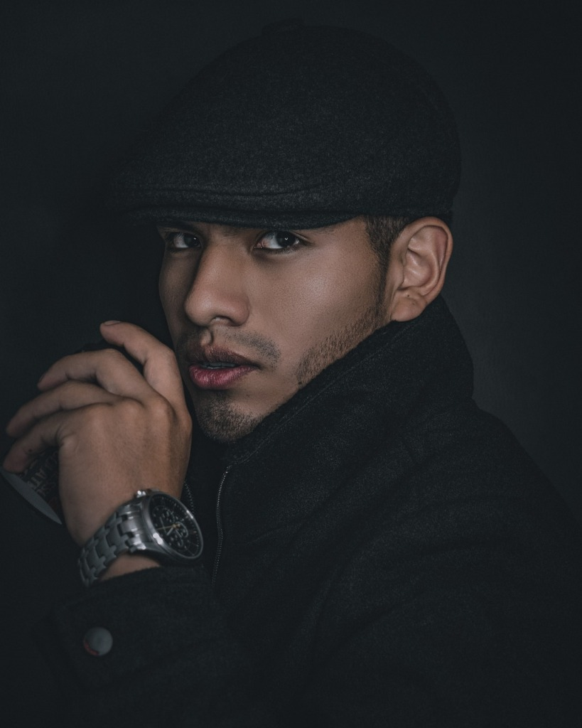 Man Model Portrait Pose Hat Watch  - cesarte_41 / Pixabay