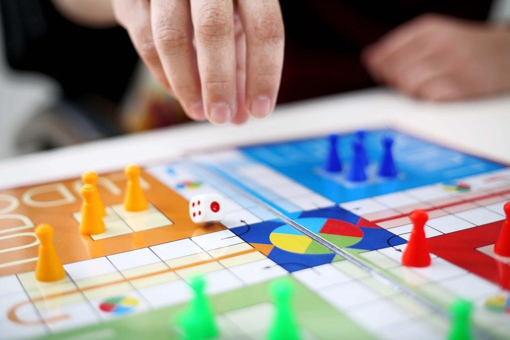 Man Play Game Person Ludo Dice  - F1Digitals / Pixabay