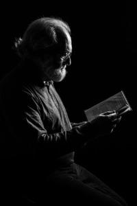 Man Reading Education Portrait  - fotoerich / Pixabay