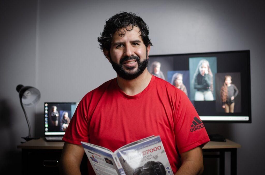 Man Smile Book Reader Reading Guy  - S_C_Fotografia / Pixabay