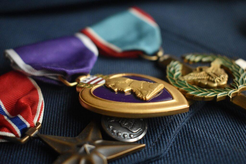Medals Prize Achievement Goal  - artellliii72 / Pixabay