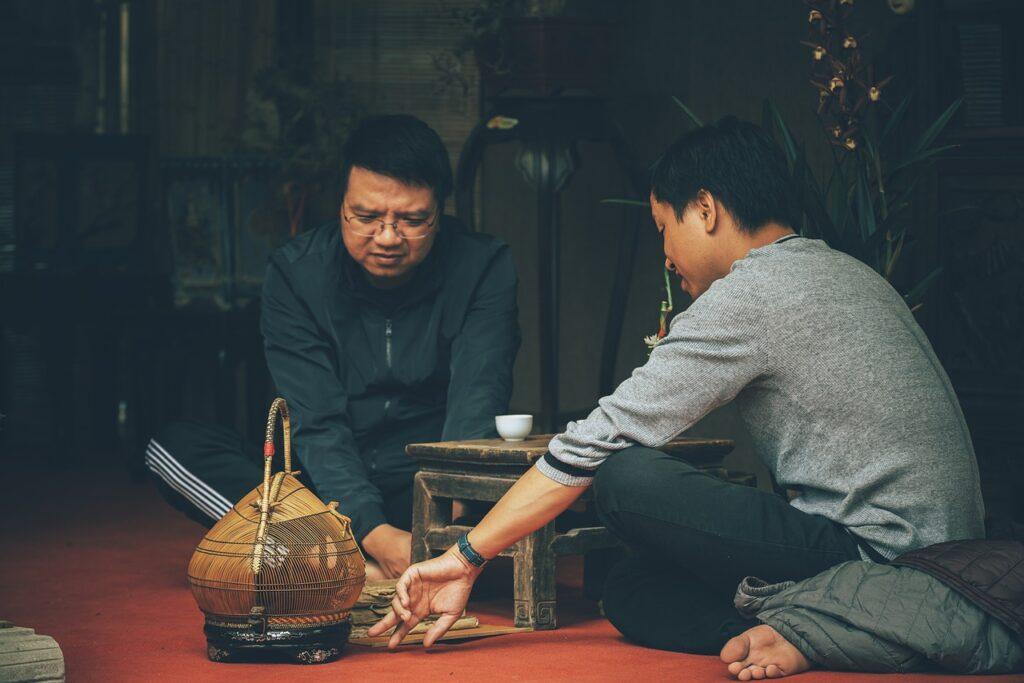 Men Leisure Vietnamese Talking  - DuyCuong1080 / Pixabay