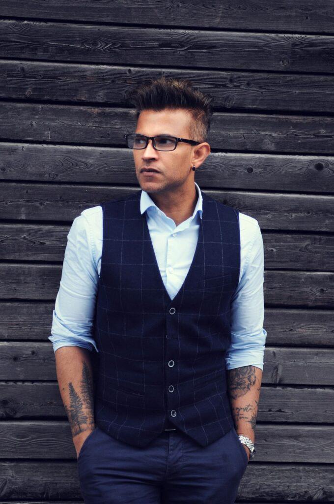 Men Model Portrait Tattooed Man  - crown-sathees / Pixabay