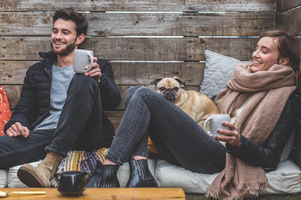 Men Women Apparel Couple People  - 5688709 / Pixabay