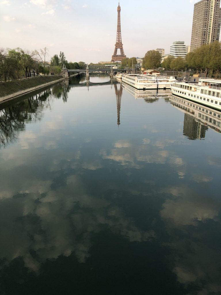 Monument Landmark Eiffel Tower  - Berengere71 / Pixabay