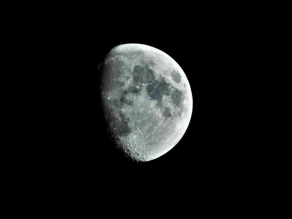 Moon Lunar Astronomy  - mmillswan / Pixabay