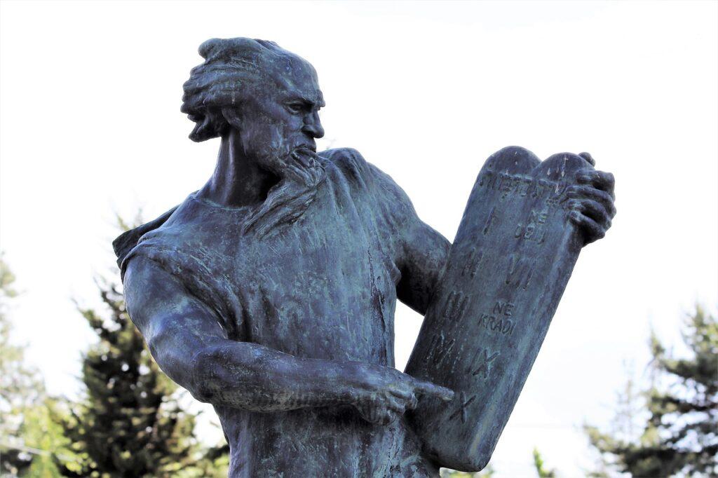 Moses Sculpture Ten Commands Statue  - GoranH / Pixabay