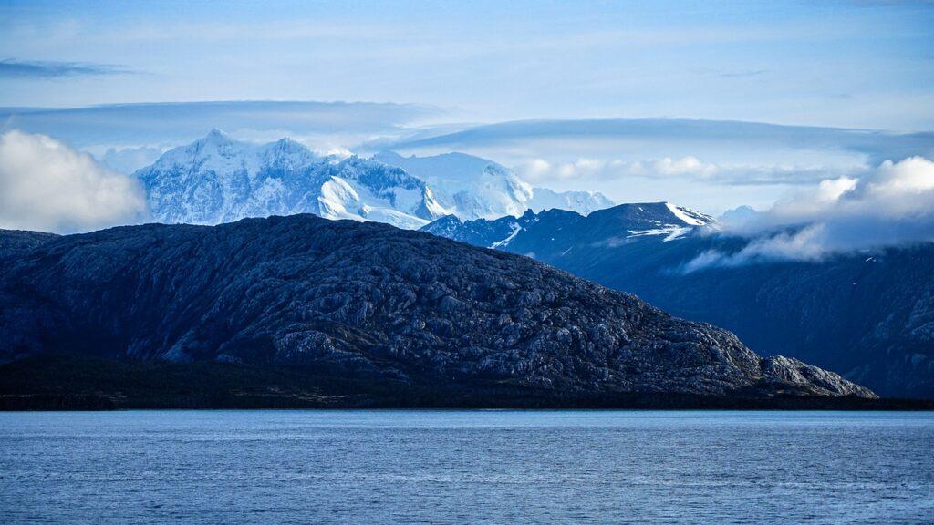 Mountains Snow Mountains Fjord  - ohanovdmitry / Pixabay