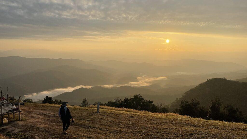 Mountains Sunset Human Peak Summit  - ramrai / Pixabay