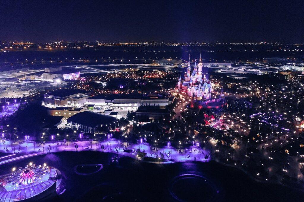 Night Disney Disneyland Lights  - Leslin_Liu / Pixabay