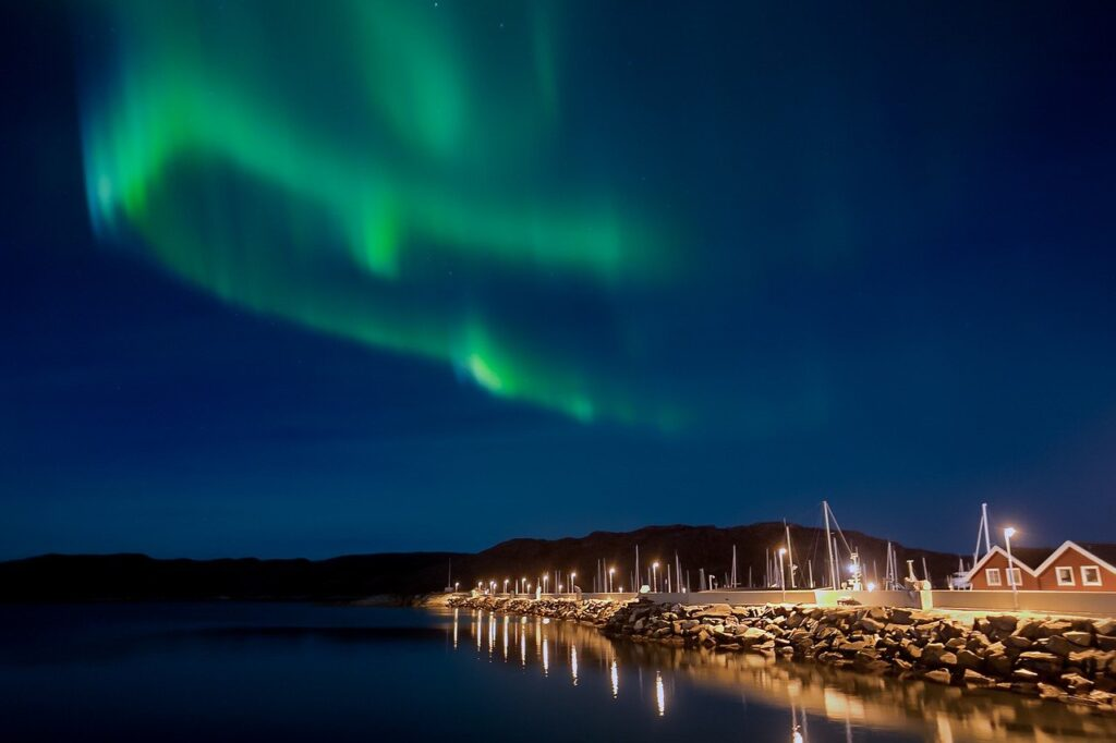 Northern Lights Aurora Borealis  - Photo-View / Pixabay