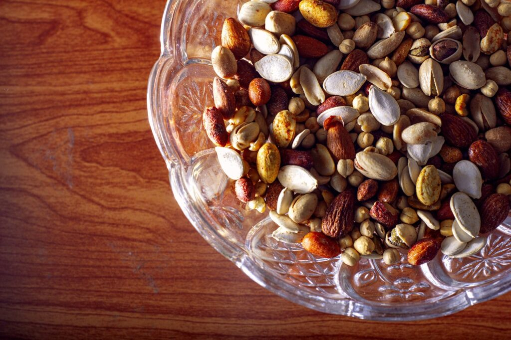 Nuts Seeds Almonds Pistachios Mix  - saniusman89 / Pixabay