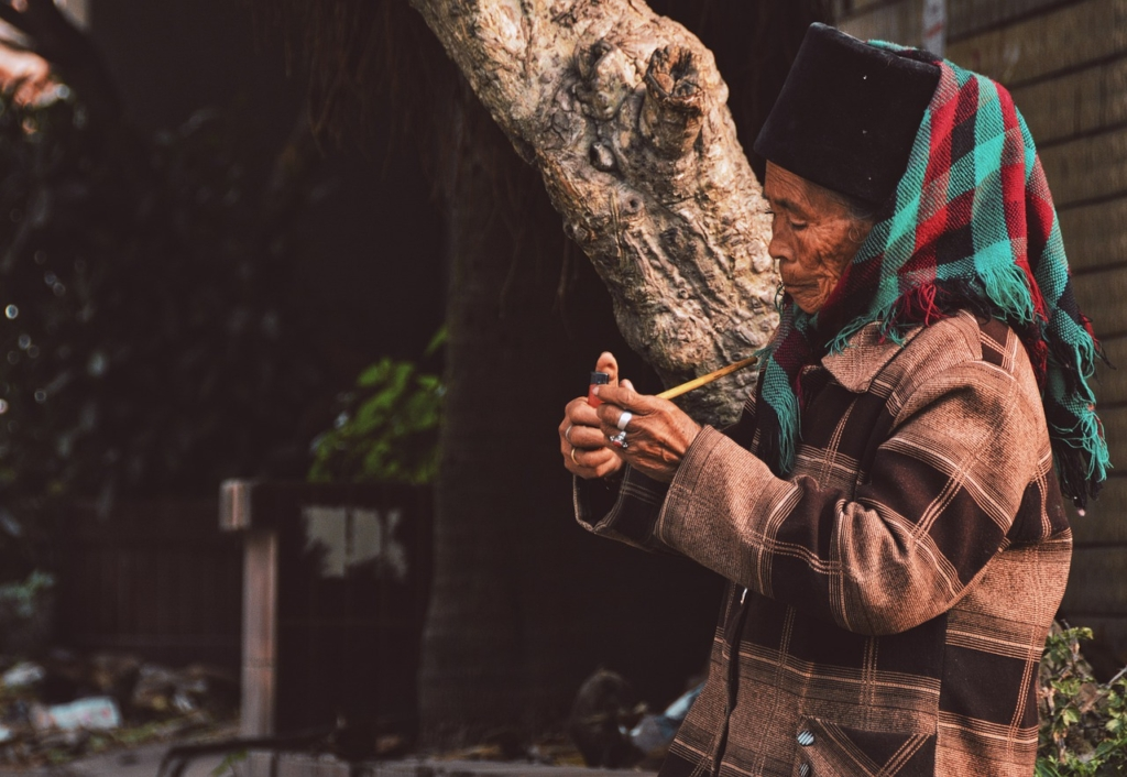 Old Man Indigenous Portrait  - Monicaday / Pixabay