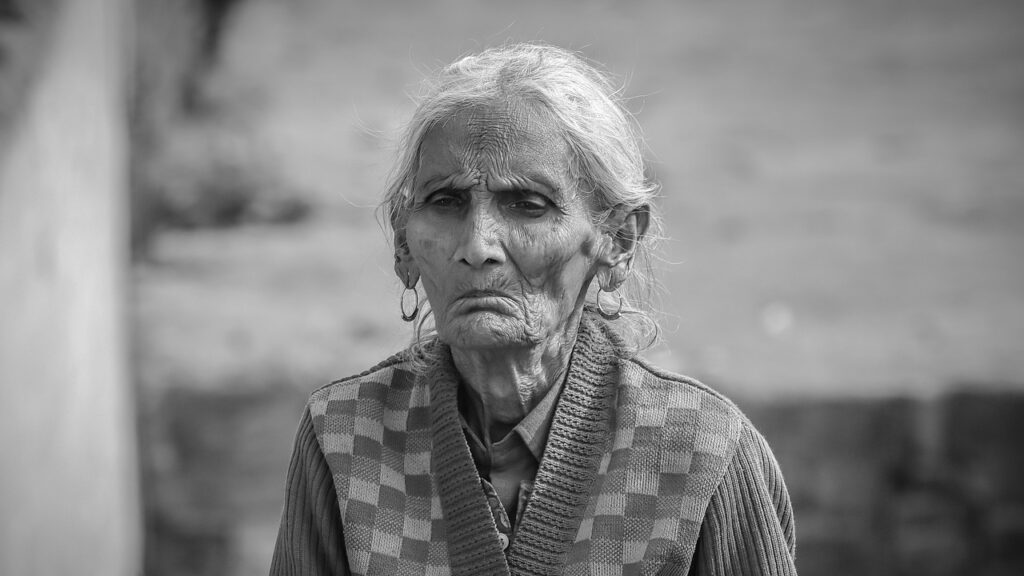 Old Woman Portrait Monochrome Woman  - pictureist / Pixabay