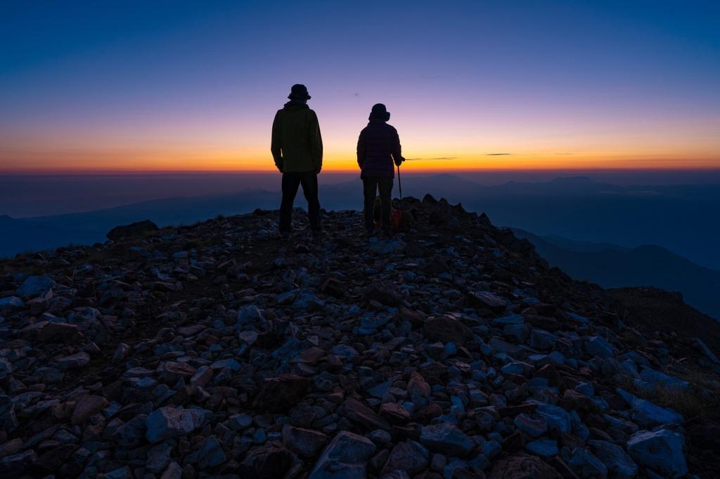 On The Mountain Mountain Climbing  - Kanenori / Pixabay