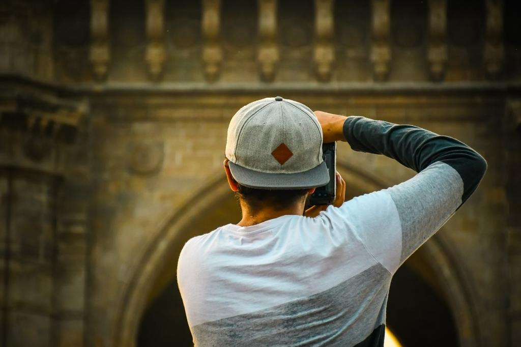 Photographer Man Back Photographing  - ibrahimpoonawala553 / Pixabay