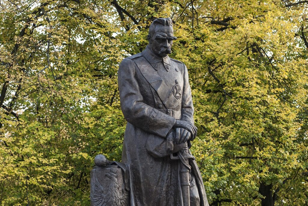 Pi%C%sudski Marisca Dictator Poland  - RepubliCAT / Pixabay