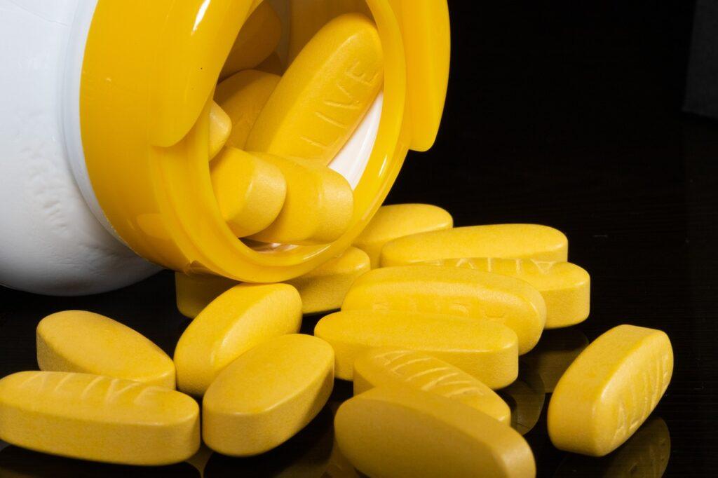 Pills Supplement Medicine Treatment  - HeungSoon / Pixabay