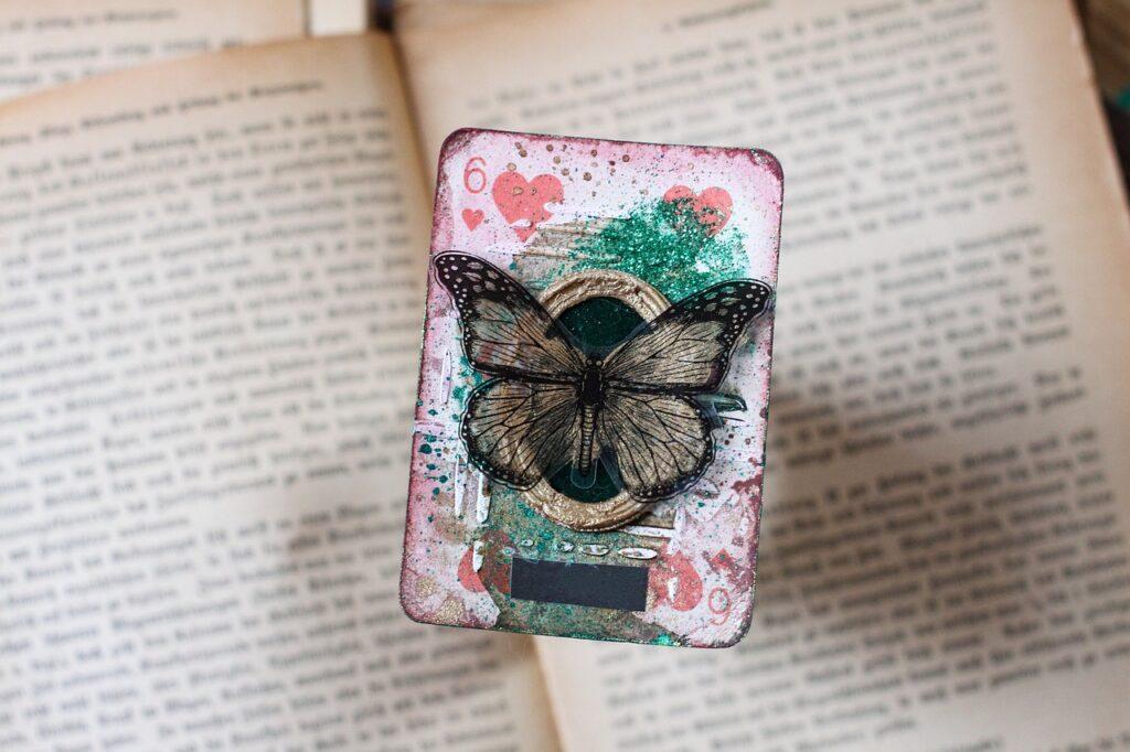 Playing Card Butterfly Vintage Card  - Emilia_Baczynska / Pixabay