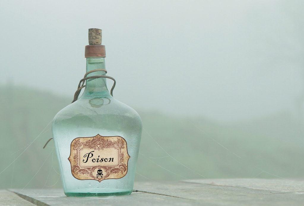 Poison Toxic Skull Flask Bottle  - Tumisu / Pixabay