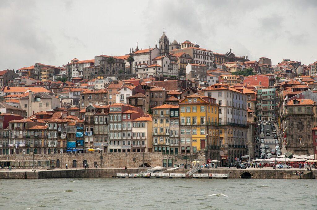 Porto City River Port Buildings  - maczhb / Pixabay