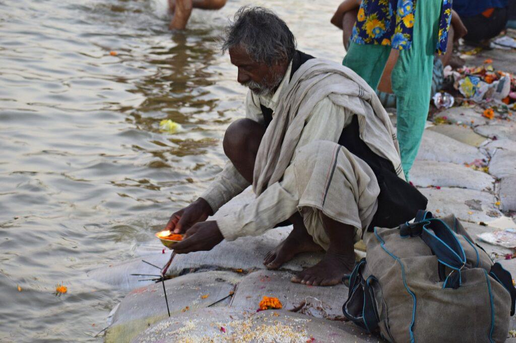 Pragraj Ganga Puja River Ganga  - balouriarajesh / Pixabay
