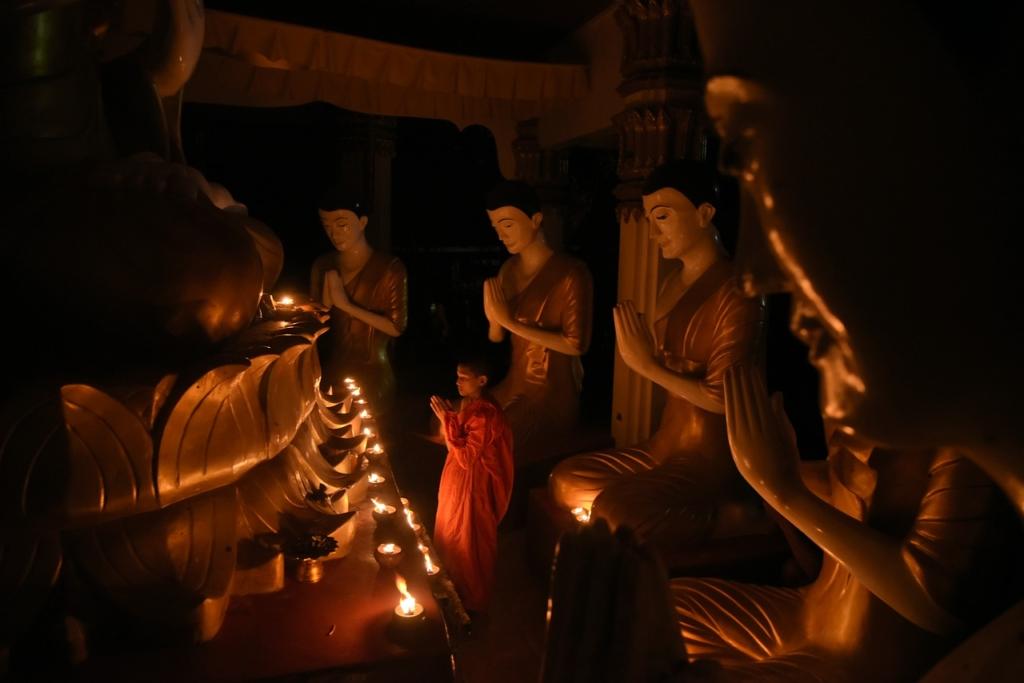 Pray Buddha Statue I Pray Measure  - setthayos / Pixabay