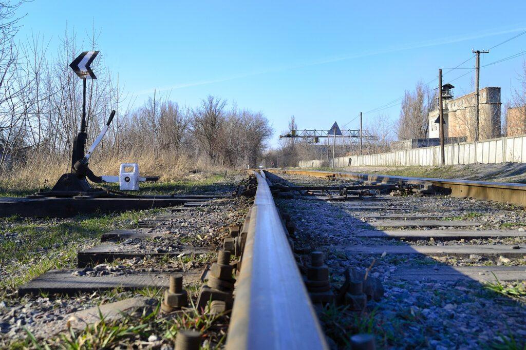 Railway Train Transport Travel  - Igor2008 / Pixabay