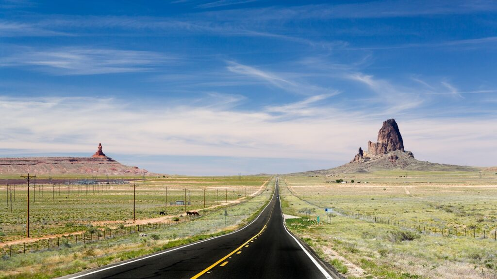 Road Field Monument Valley  - TobiasBrunner / Pixabay
