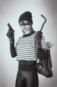 Robber Thief Woman Robbery  - Victoria_Borodinova / Pixabay