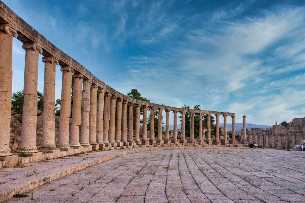 Ruins Columns Temple Stone Ancient  - Hisham_Zayadnh / Pixabay