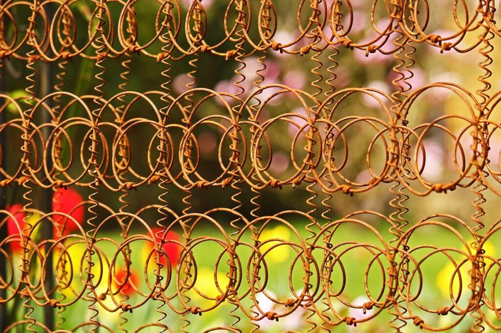 Rusted Gartendeko Metal Rust  - KRiemer / Pixabay