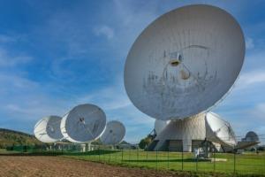 Satellite Dishes Parabolic Antennas  - Katerwursty / Pixabay