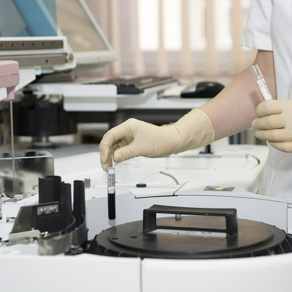 Science Laboratory Chemistry  - Michaelkin / Pixabay