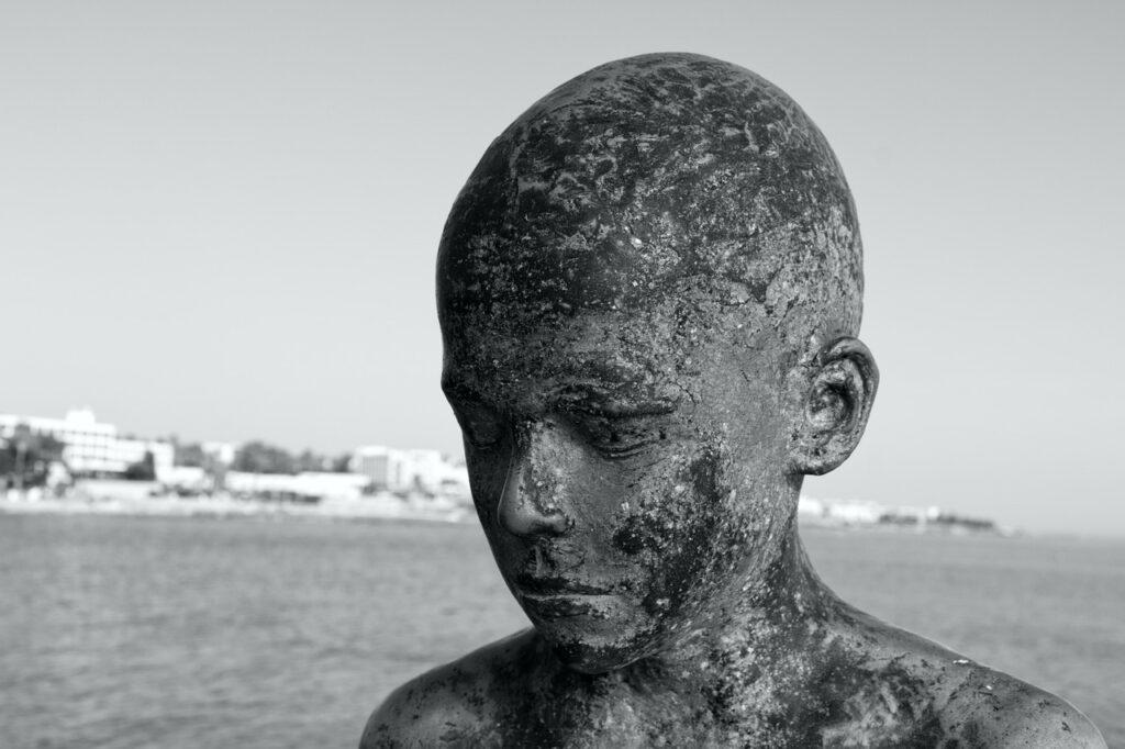 Sculpture Burned Face Thinking Sad  - Nicholas_Demetriades / Pixabay