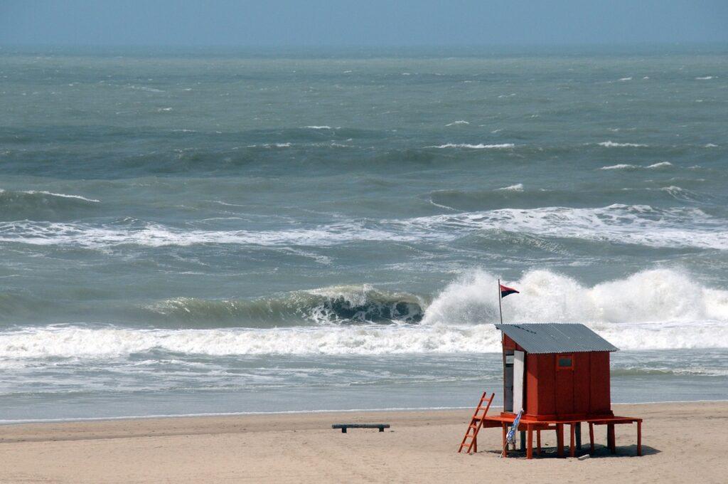 Sea Ocean Beach Summer Morning  - myrianmarchesich / Pixabay