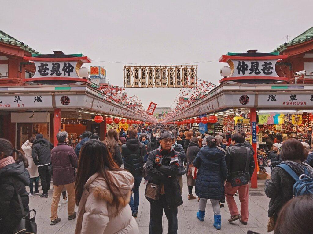 Sensoji Temple Crowd Tourists  - KianHao / Pixabay