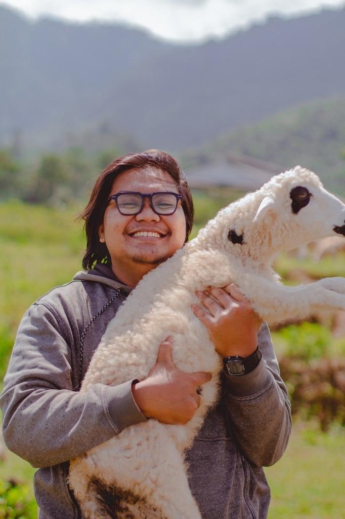 Sheep Animal Man Happy Smile Pose  - nasiklababan / Pixabay