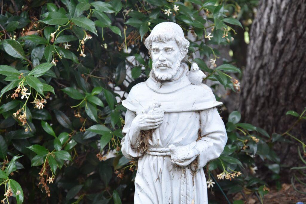 St Francis Statue Religious  - Zellykat / Pixabay