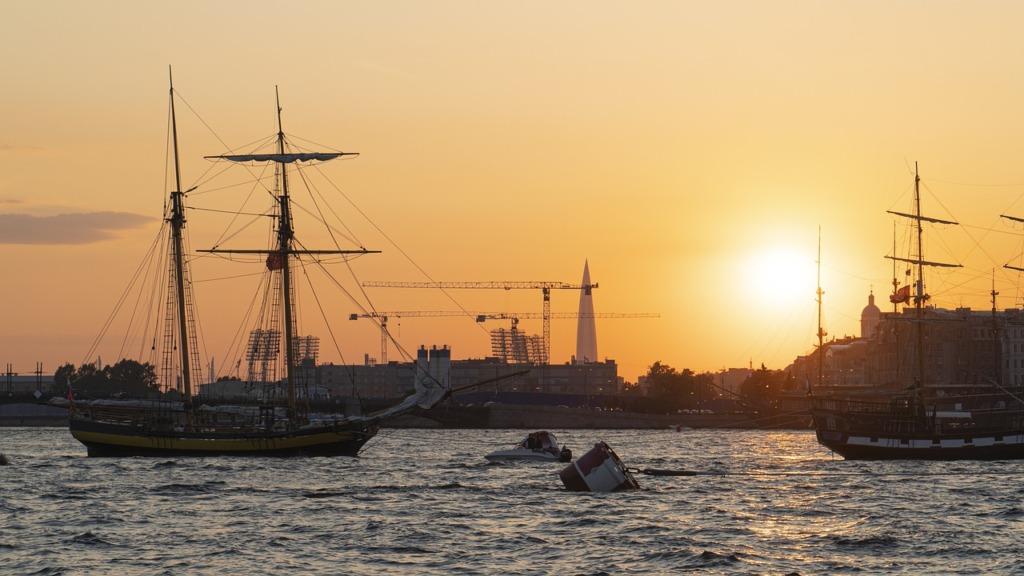 St Petersburg Sea Ships Sunset  - stepsol / Pixabay