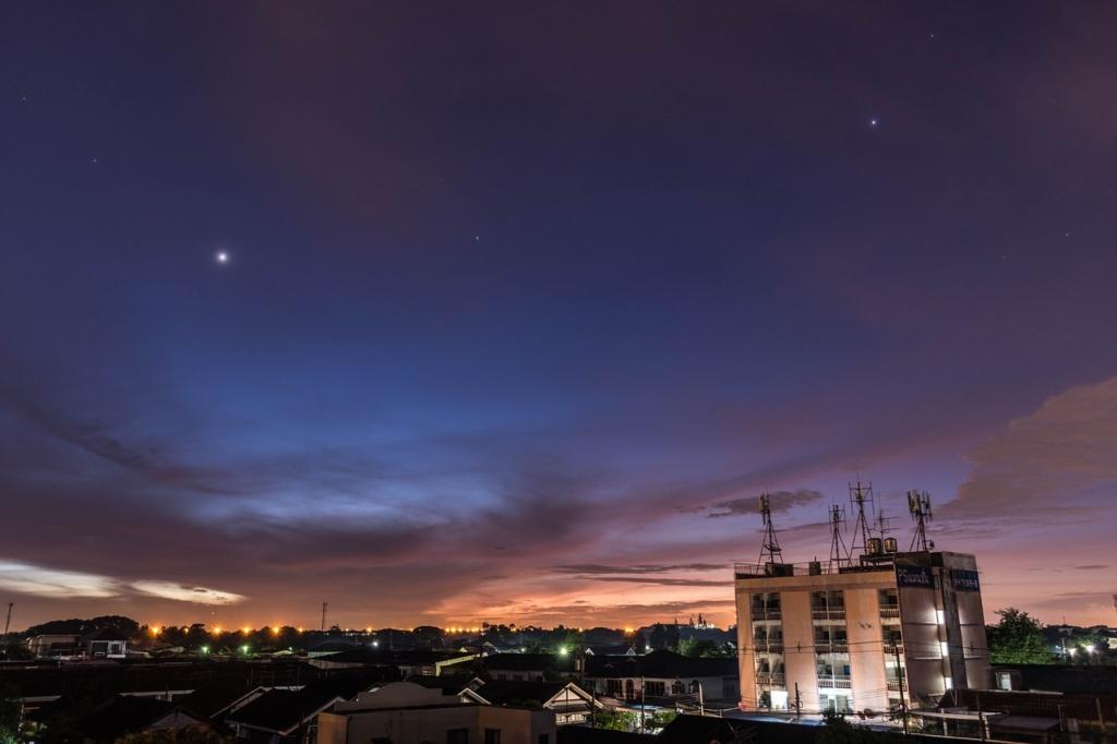 Star Starlight Shine Vast  - Pongdanai / Pixabay
