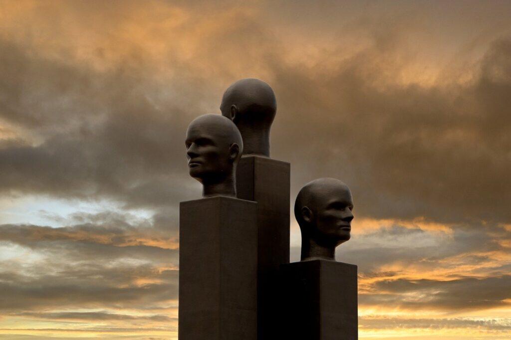 Statues Public Sculptures Sculptures  - dendoktoor / Pixabay