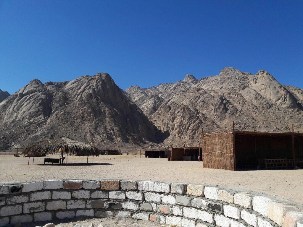 Stone Desert Bedouin Village Sahara  - Sabine_Zierer / Pixabay