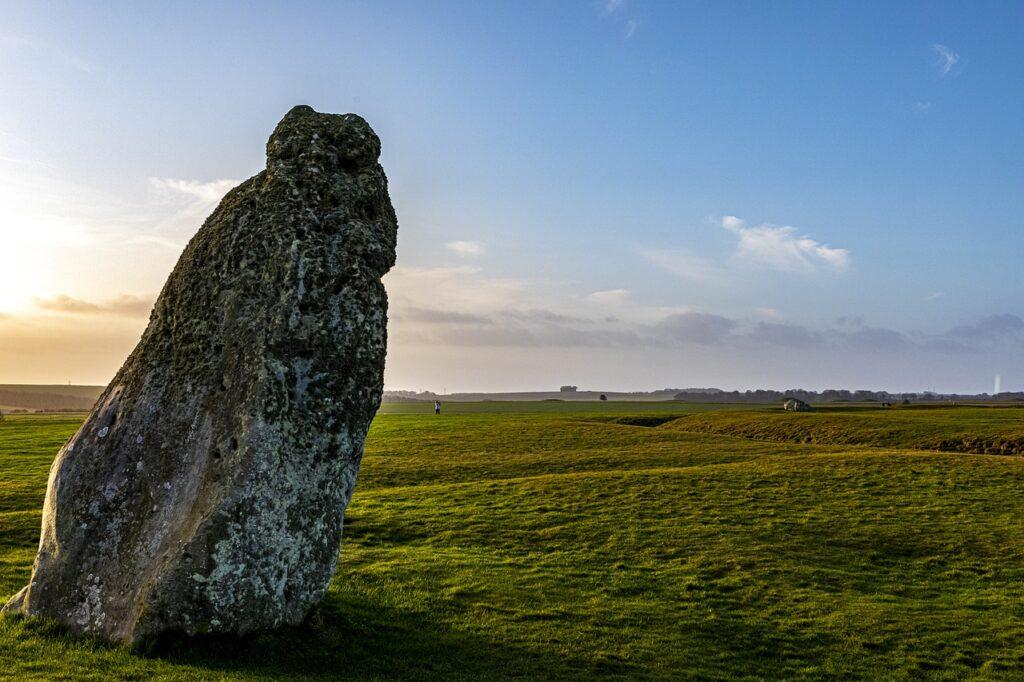 Stonehenge Stone Slab England Uk  - hulkiokantabak / Pixabay